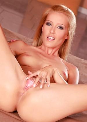 Sophie Moone