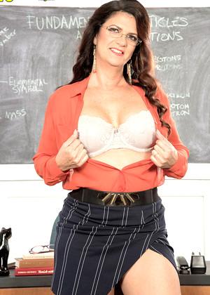 Valentina Rosario