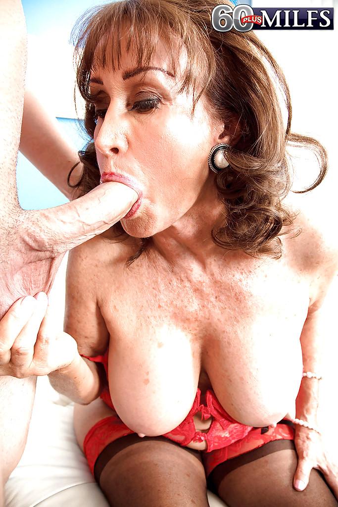 Big boob melon tube