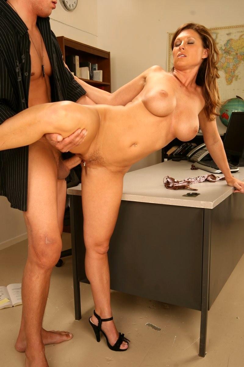 Homemade Lesbian Make Out