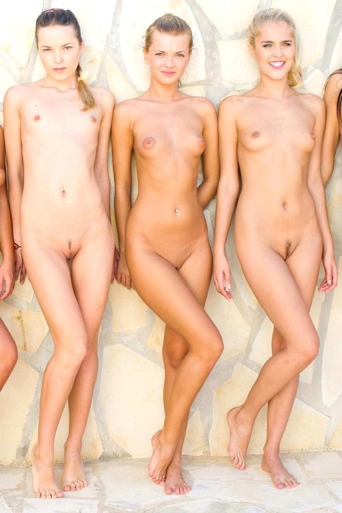 nude mirror pics woman