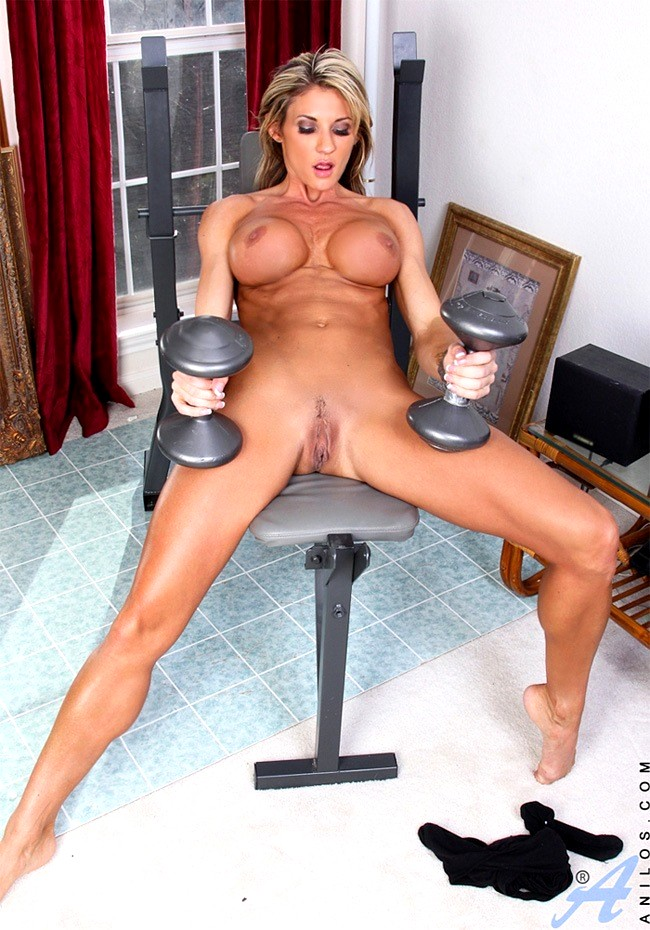 abby-marie-nude-muscle