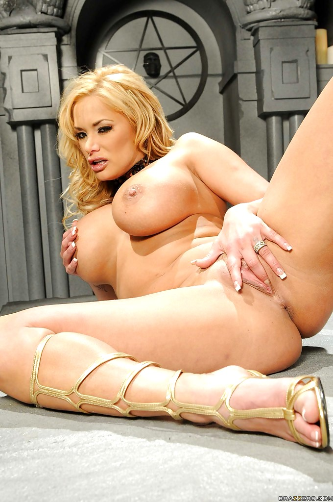 Shyla stylez busty sex bomb in jeans sucks amp rides a fat cock