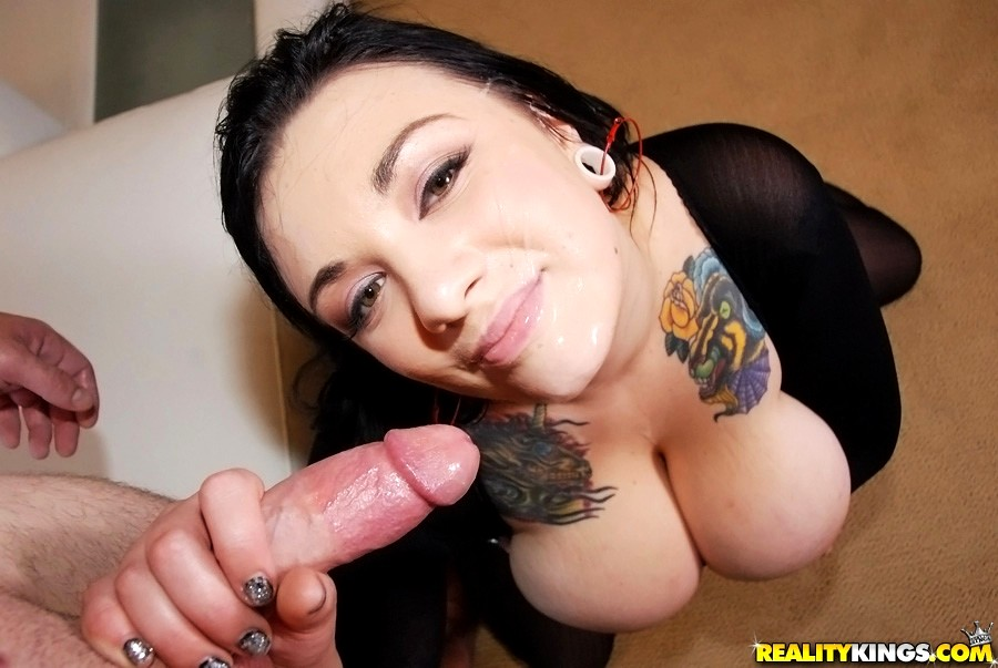 Sexy Scarlet Lavey Shows Off And Fucks Cock Fotogra Gotporn 1