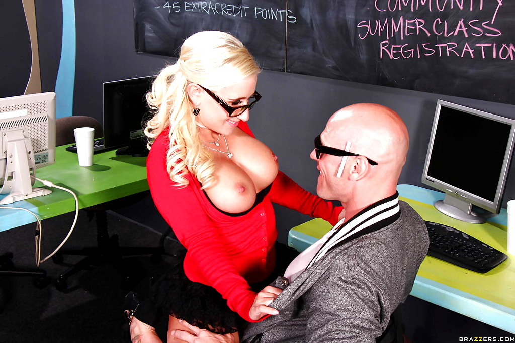 Busty Blonde Chick Sammie Spades Seduces Her Coworker On First Day Of Work 1