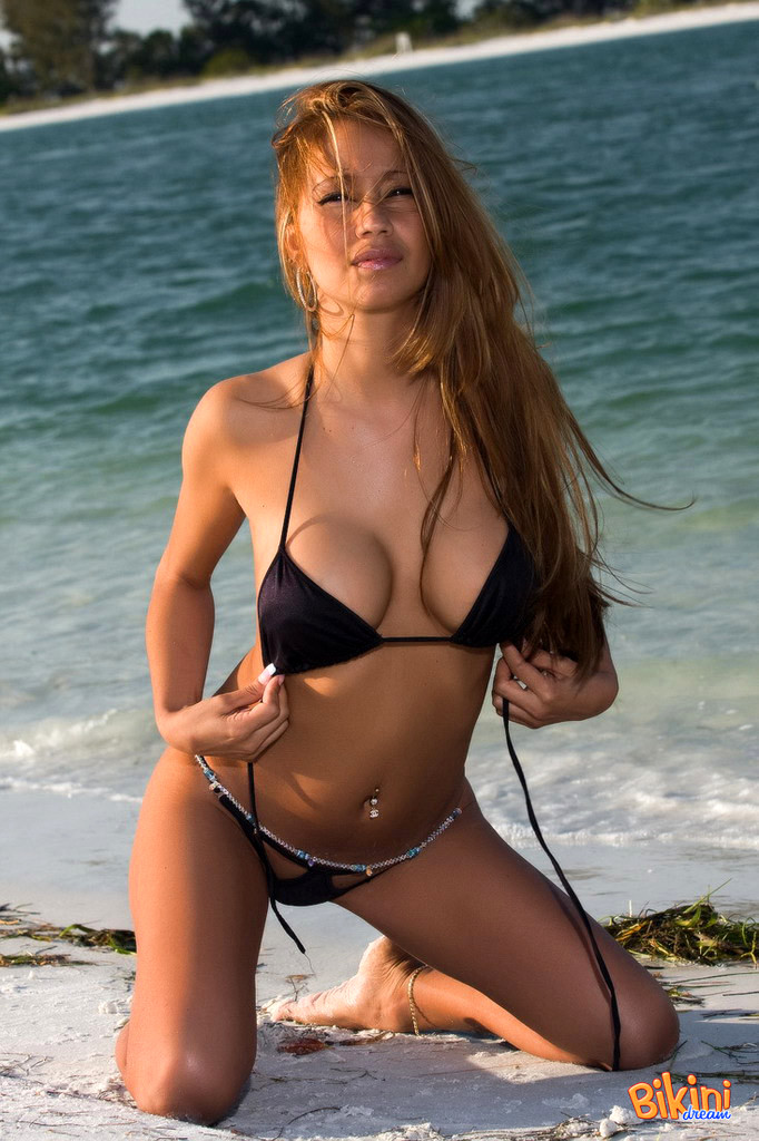 Are some bikini dream babes nude good