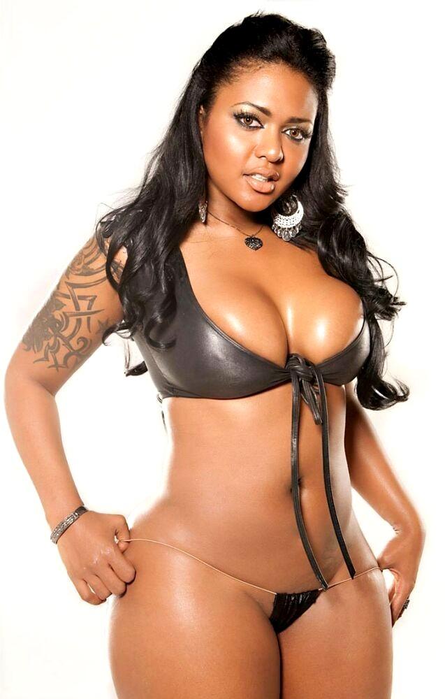 Light skin girl fat ass