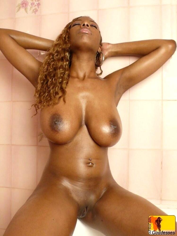 Sexy Black Teen Big Tits