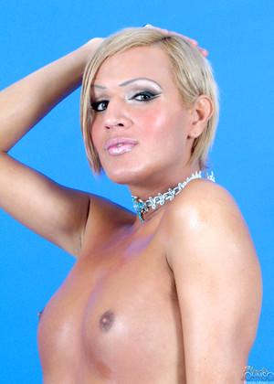 Blondiejohnson Model