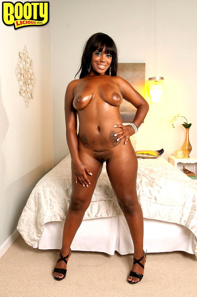 Ebony babe envy kenya getting her pussy fucked