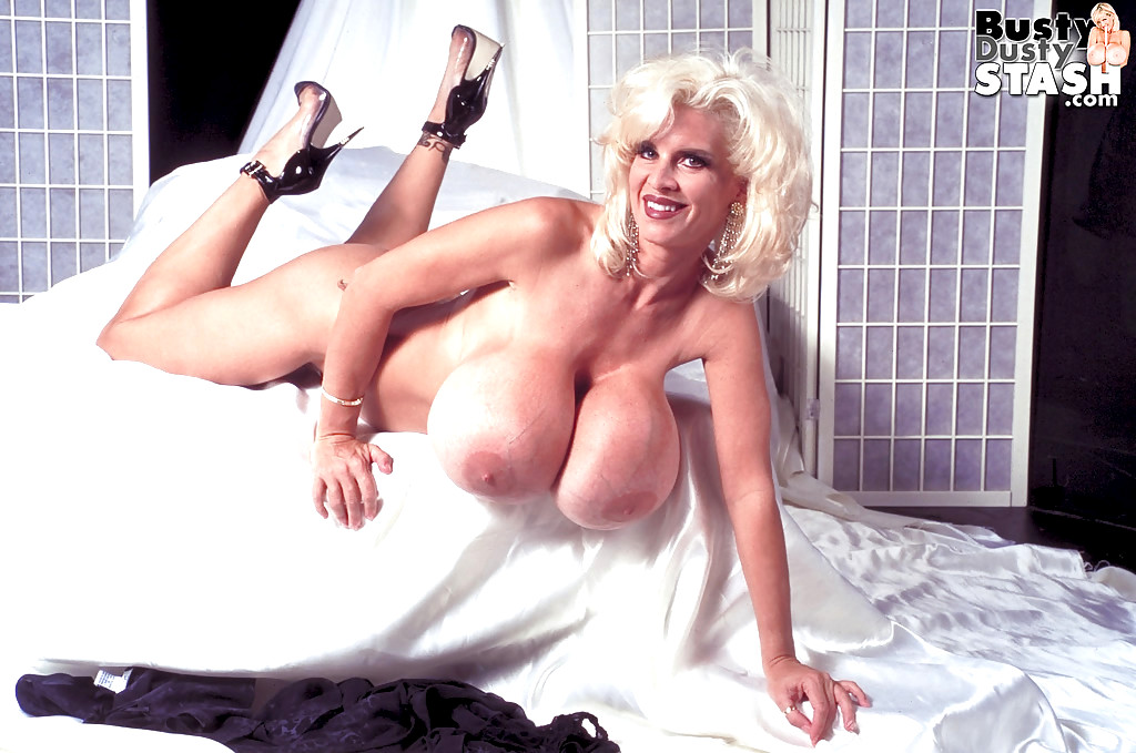 Pics freebie nude busty dusty galleries