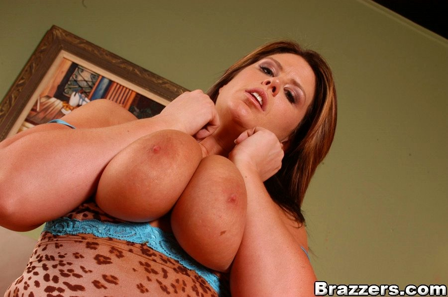 Extreme Facials Abuse With The Slut Lisa Sparxxx