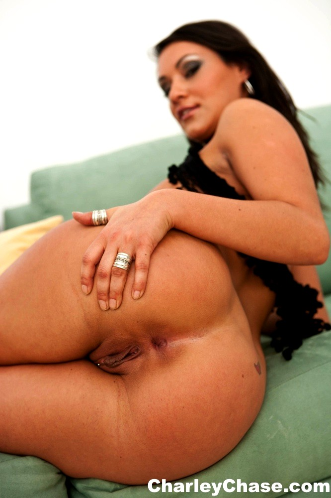 Charley Chase Shakes Her Perfectly Plump Bare Round Ass