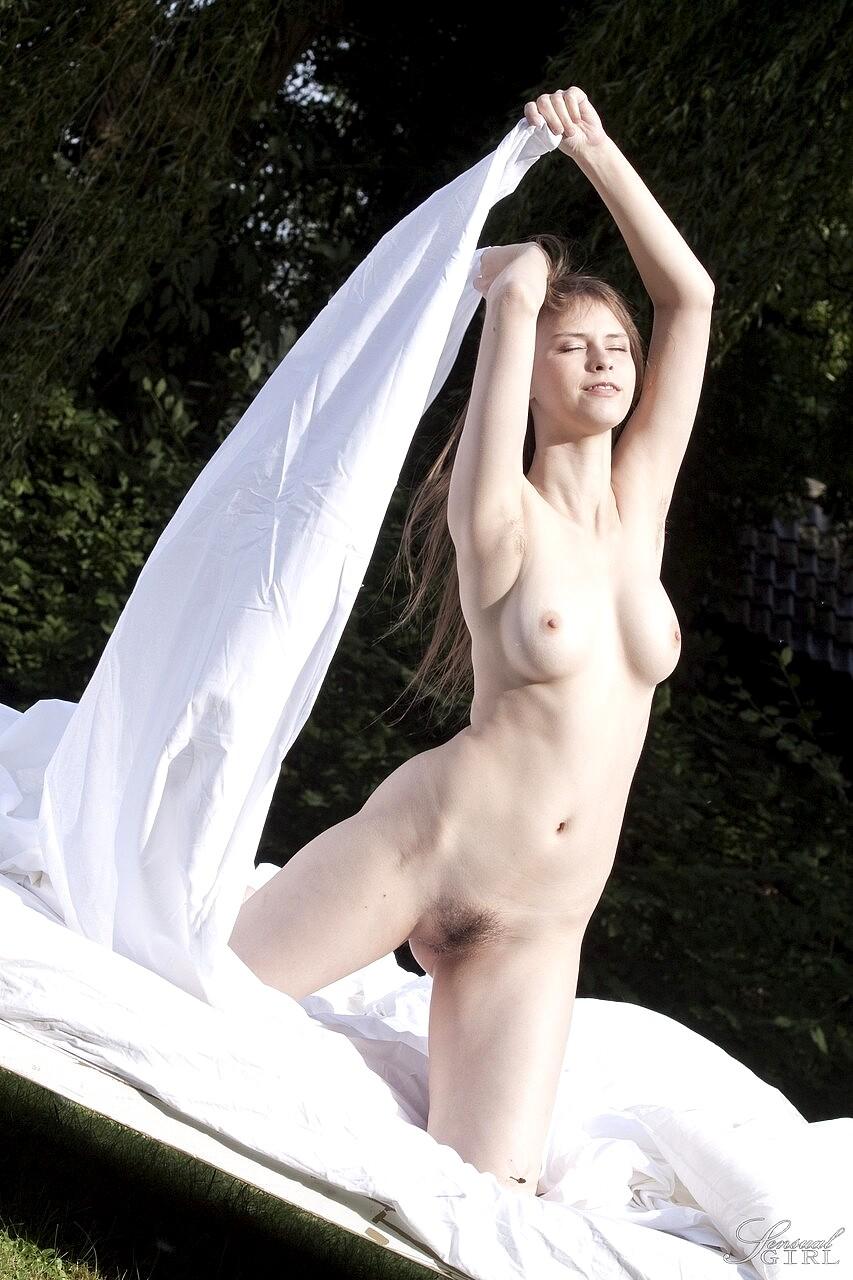 Nude beata undine Beata Undine
