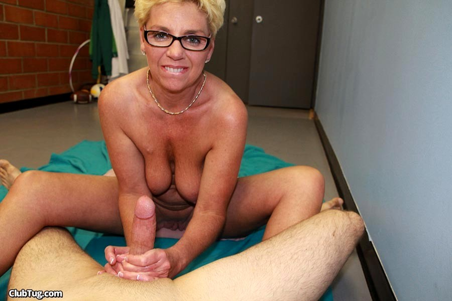 Mature young boy hand job — img 15