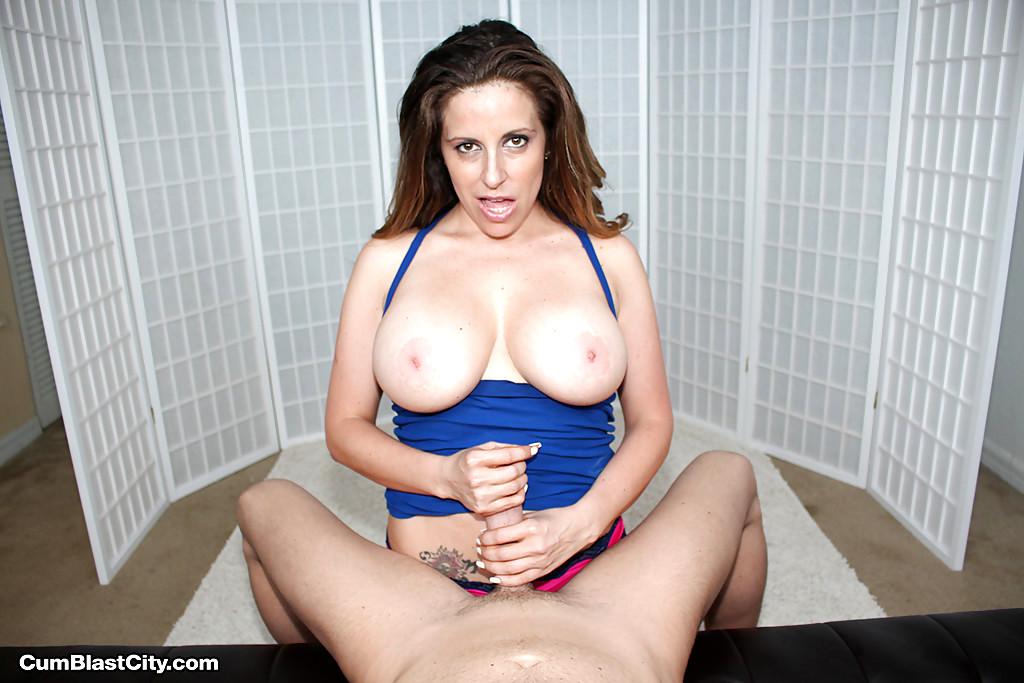 Busty Big Tit British Women Familysex Pics Free Porn Images