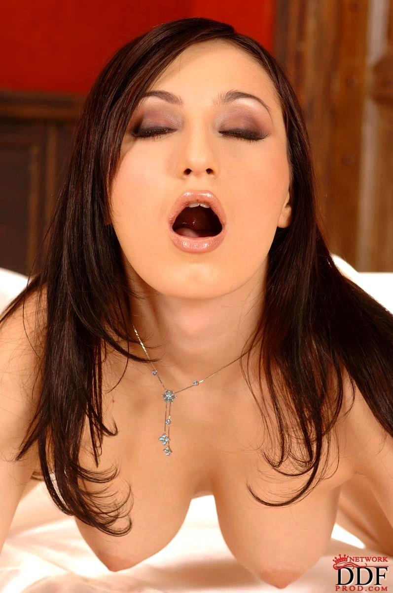 Toy orgasm claire la femme