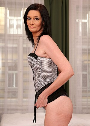 Laura Dark