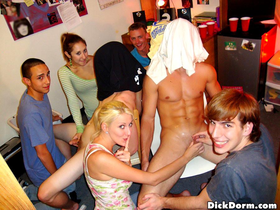 College girl sucking dick