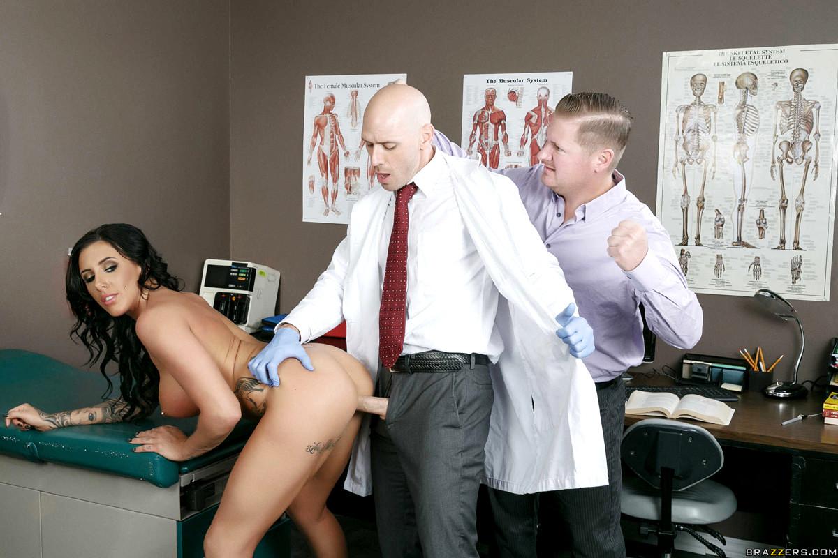 Муж привел жену к врачу порно