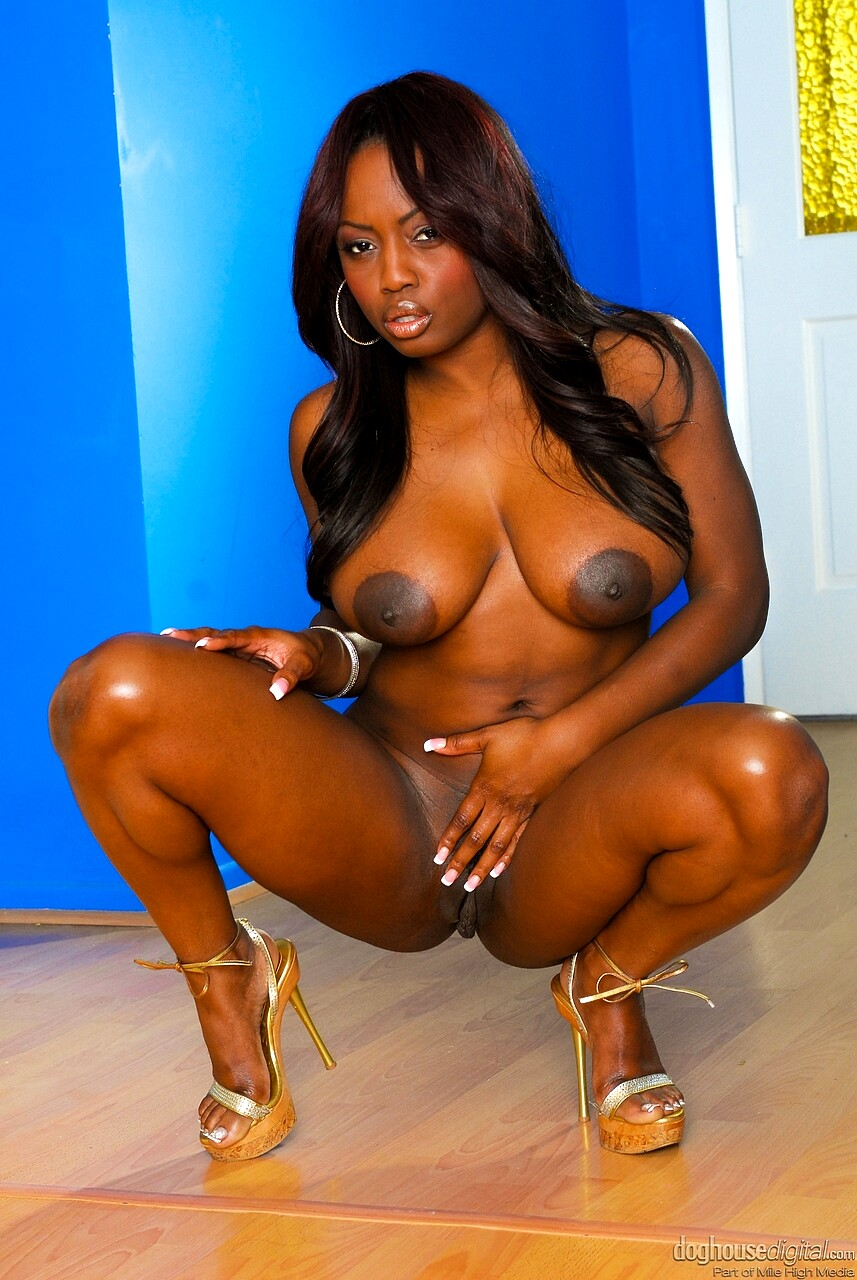 Black Busty Gal Jada Fire Shaking Naked Boobs And Petting The Moist Pussy
