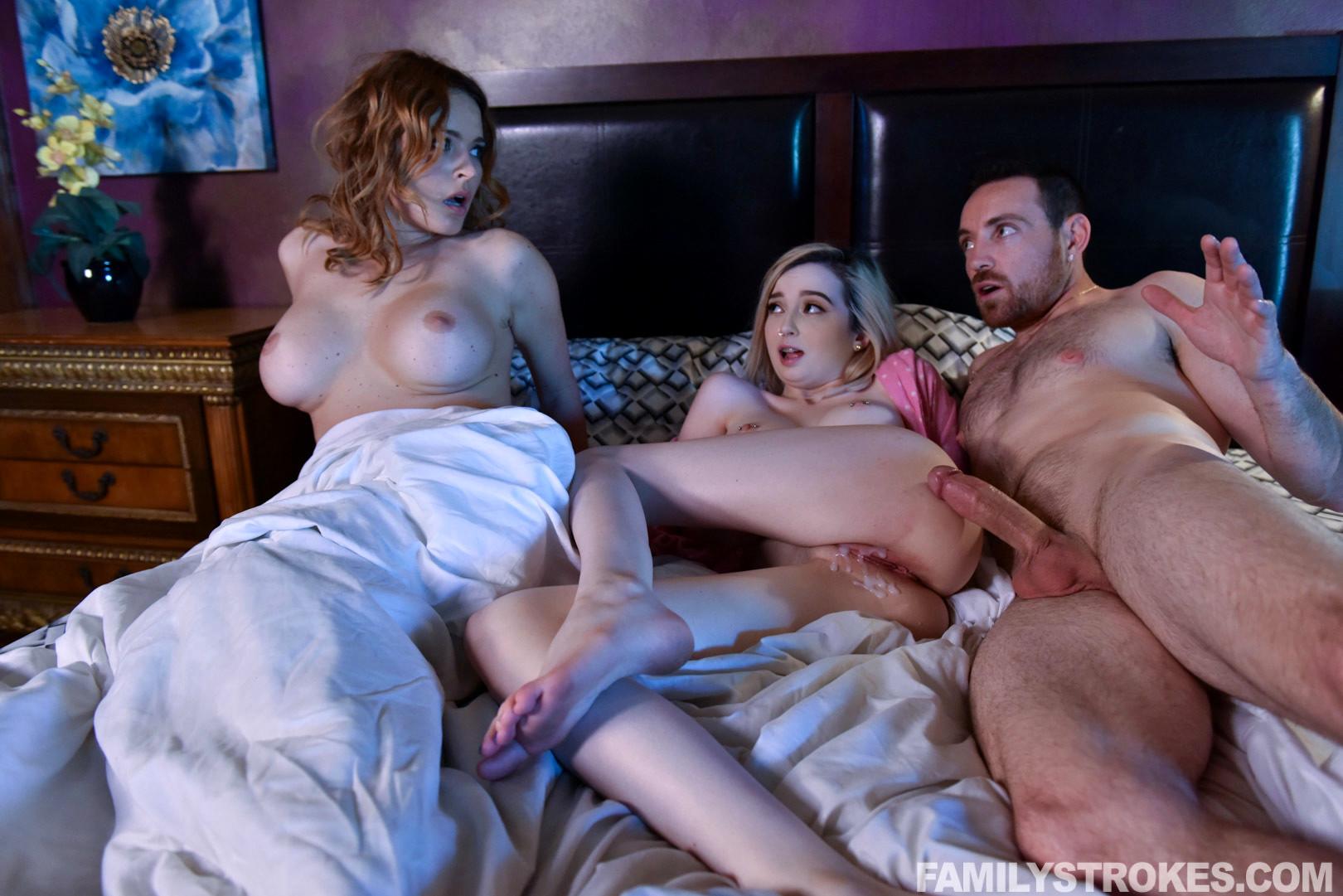 Порно фильмы муж рядом смотрит