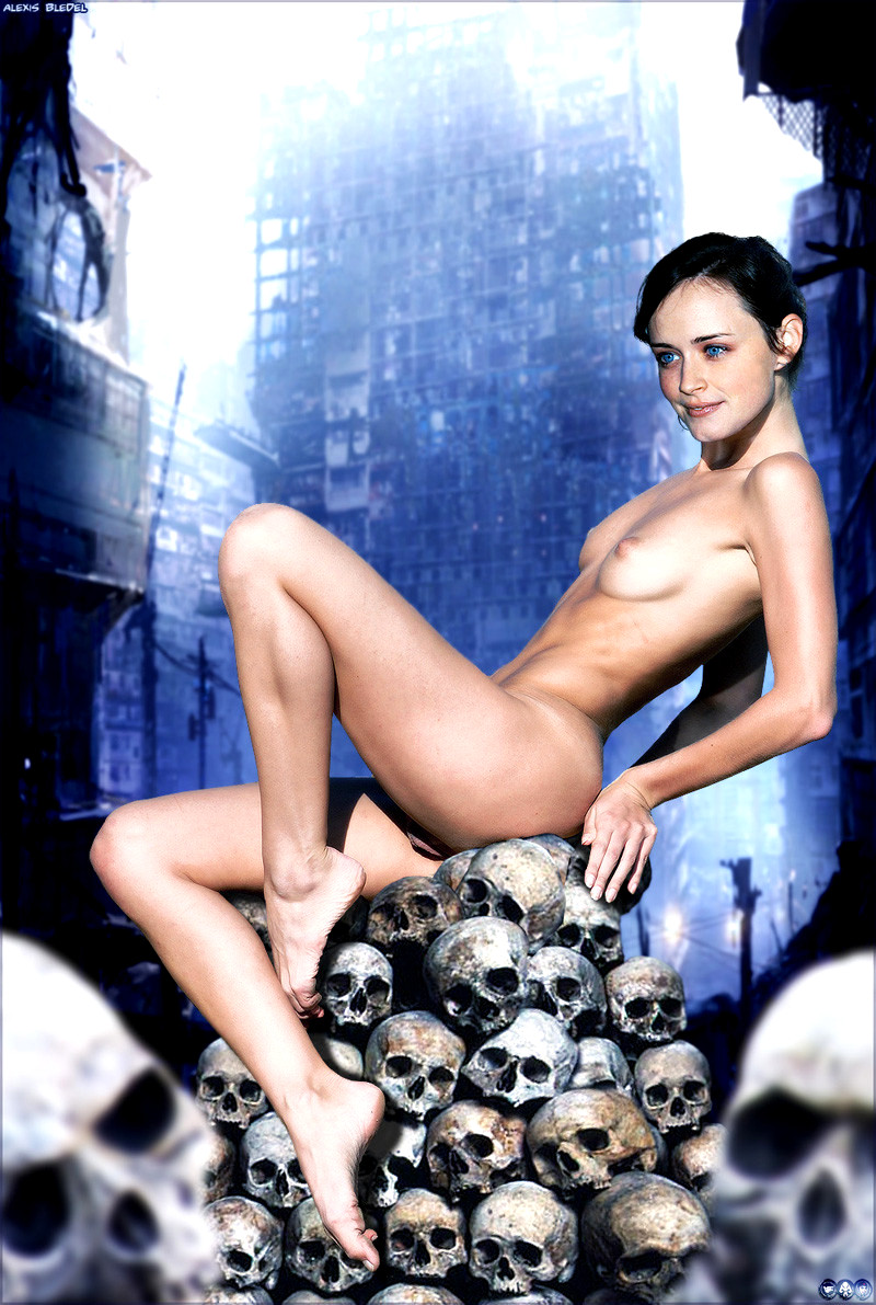 Katie Holmes In The Nude