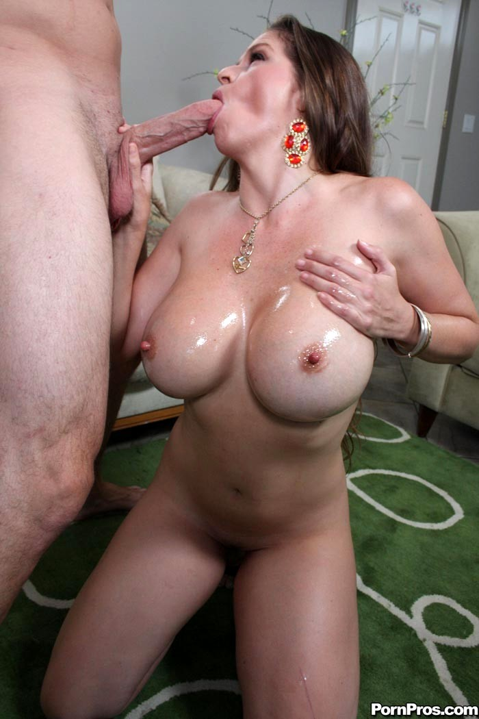 Busty Milf June Summers Sucks And Fucks For Facial
