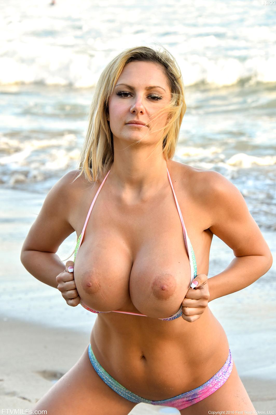Bikini Boobs And Huge Tits Pics