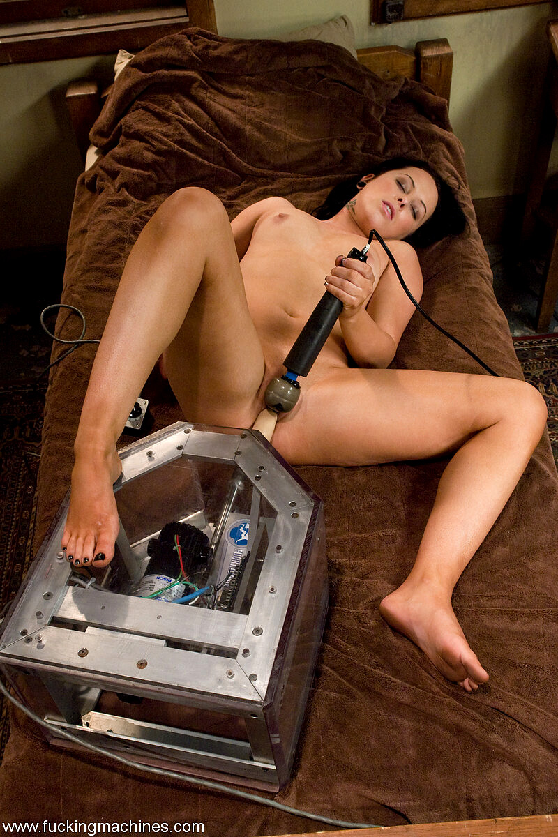 Alexa Von Porn fuckingmachines alexa von tess wwwamara pussy porn pic free