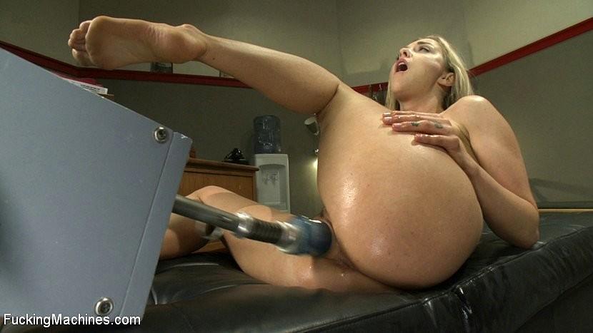 Hot Blond Fucking Machines