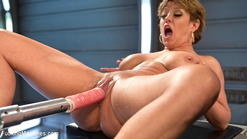 Long haired blonde sharon da vale in crotchless body stocking gets her hole drilled by machine