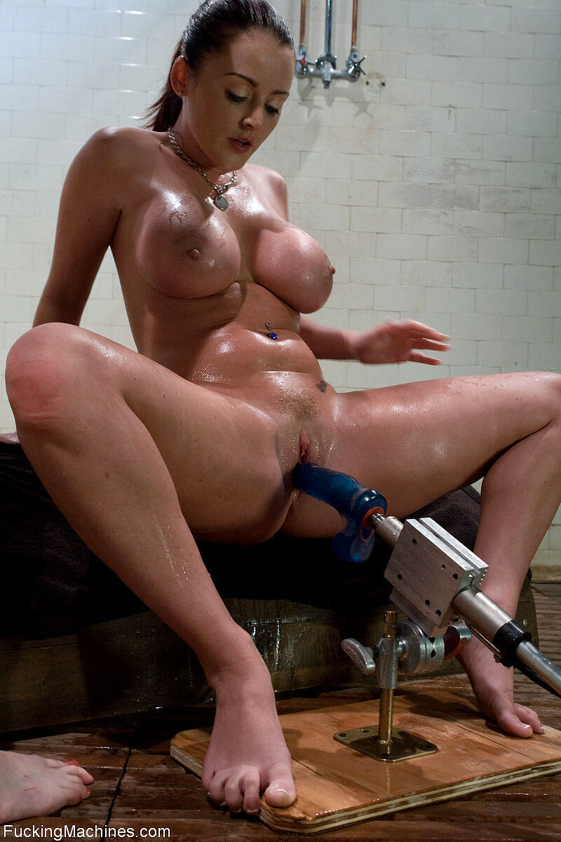 Sophie Dee Squirting Fuck