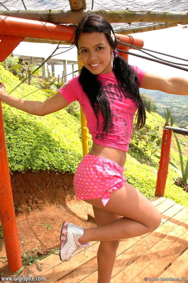 shemale-galleries-latin-young