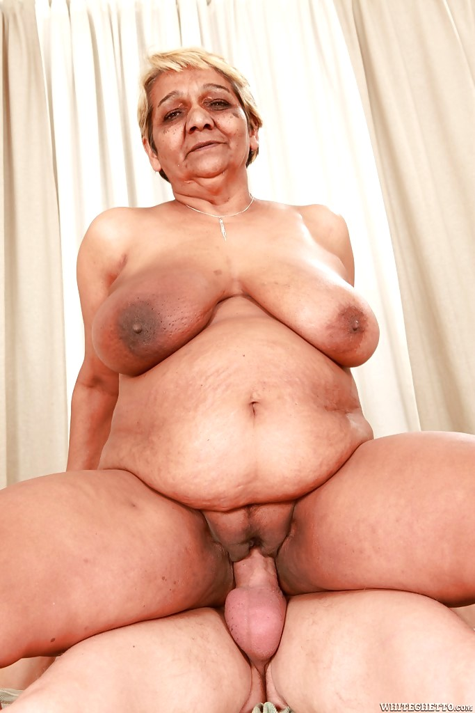 Free Download Watch Fat Granny With Big Breasts Fucks A Dildo Porn Images