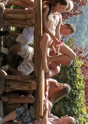 outdoor orgie galerien