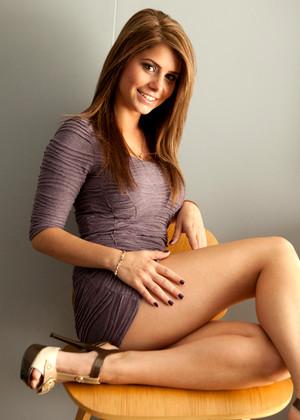 Hailey Leigh