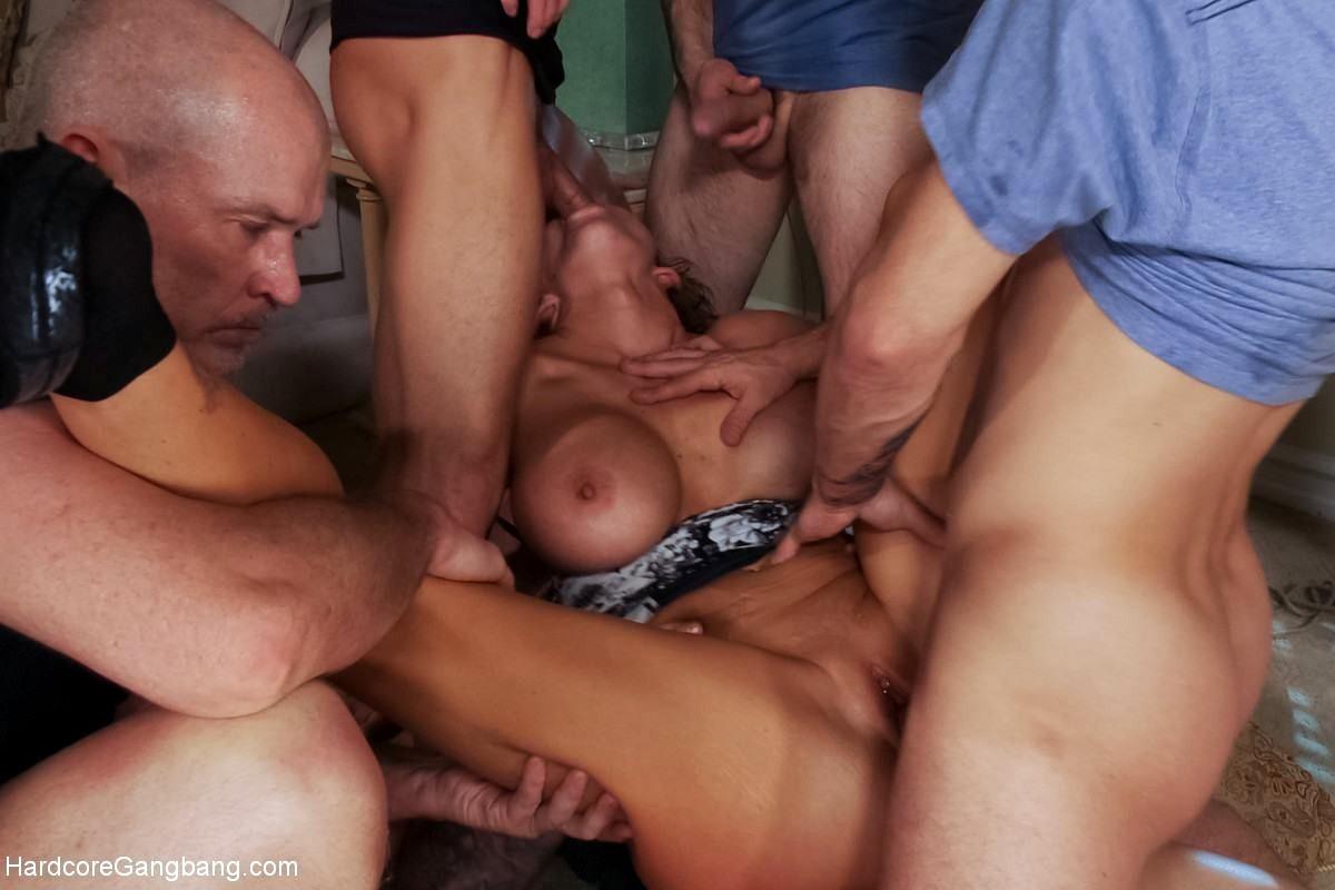 Nikki slutwife porn pics