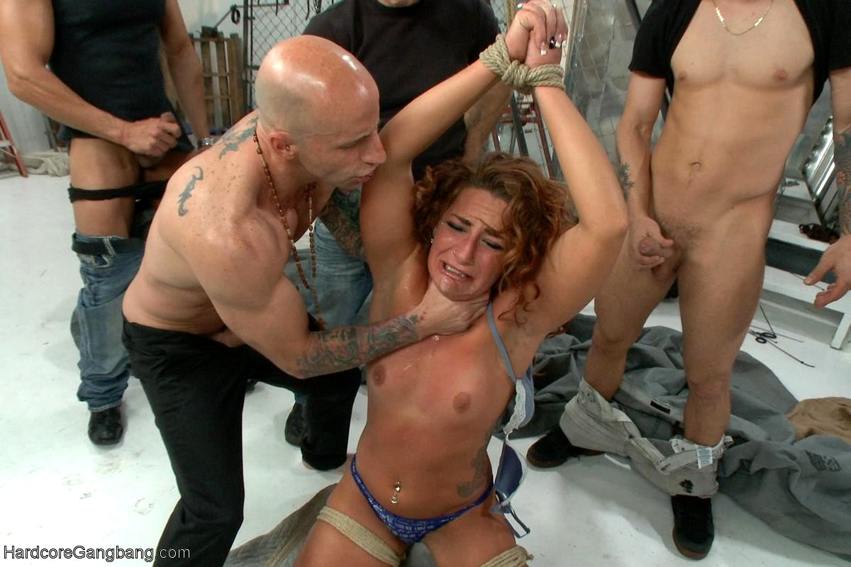 Stunning Beauty Babe Savannah Fox Gets Pounded In Several Positions