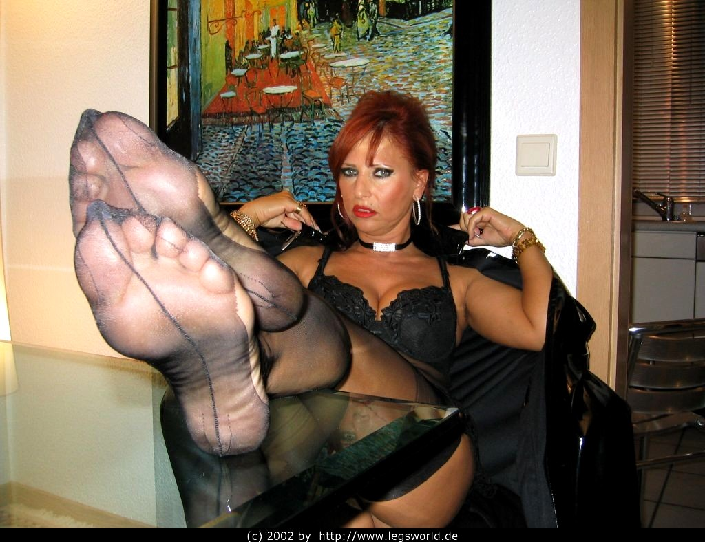 Lady Barbara Hot Pussy And Legs