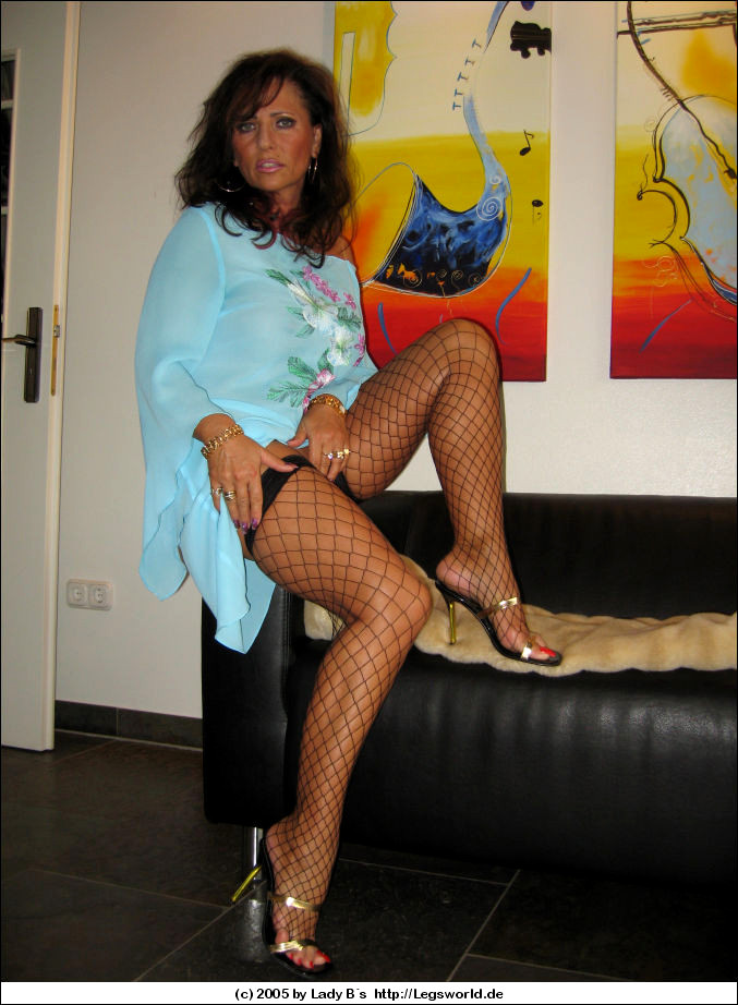 Pantyhose Pics Only