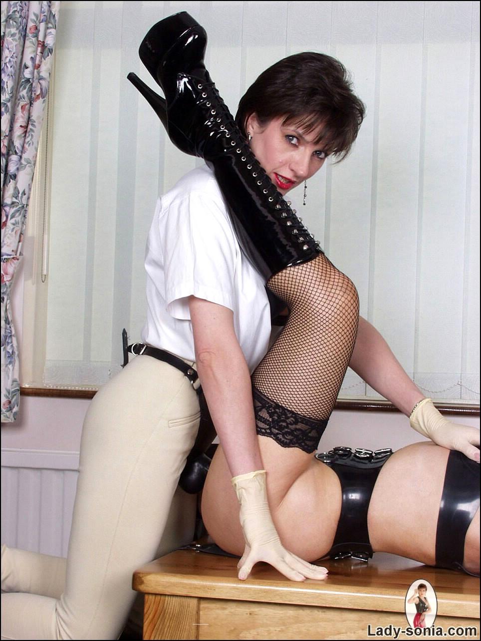 Hot Rough Lesbian Strap