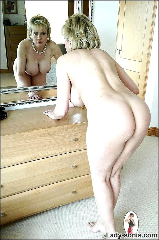 Huge tits m