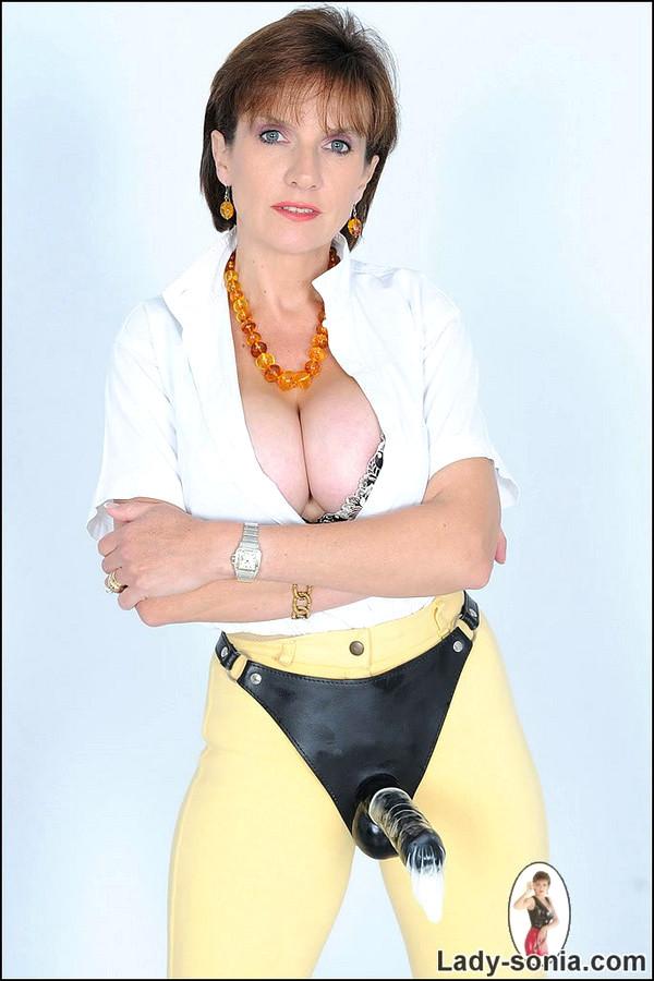 Lady Sonia Pantyhose Torrent