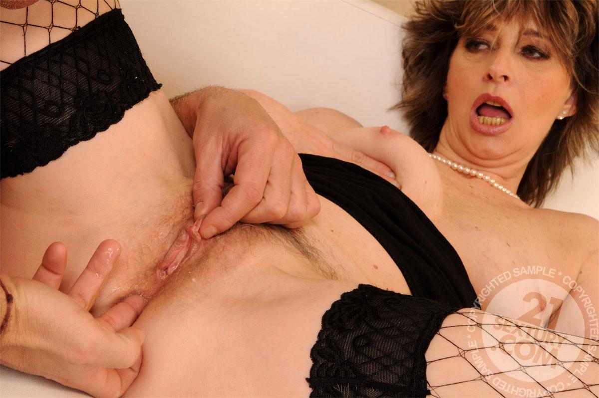 Lustygrandmas anal