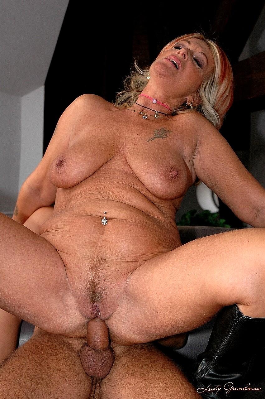 Sexy Granny Anal Porn Pics