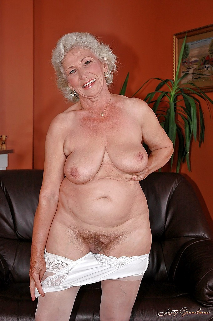 Naked granny and nude women photos