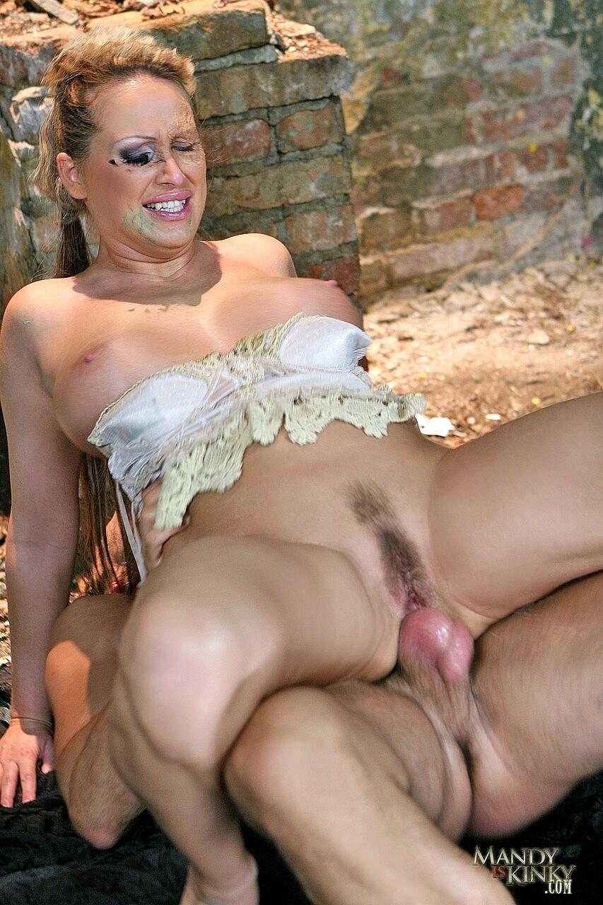 Nude mandy Mandy Roe