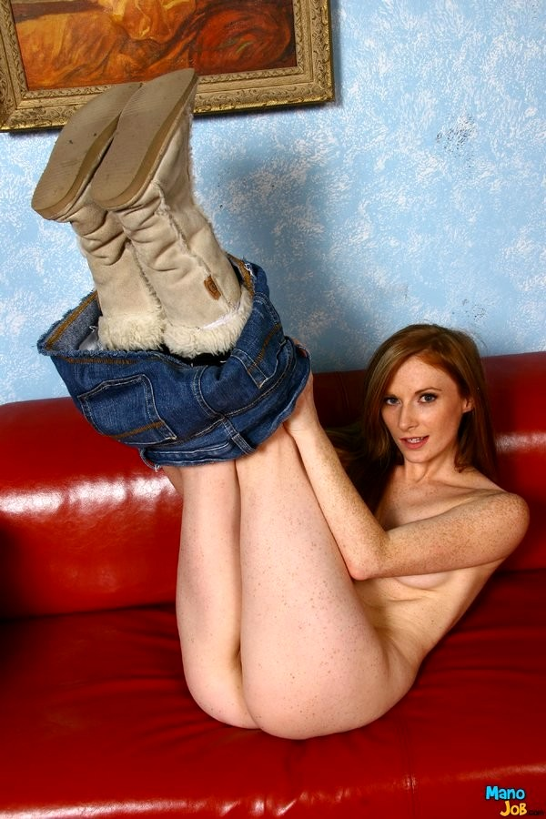 Allison Wyte Doing Hot Handjob From Mano Job