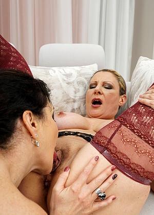 hd amateur wife lesbian